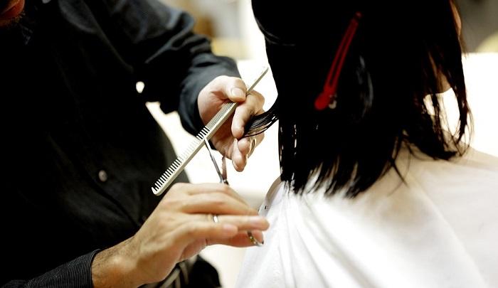 Mơ thấy cắt tóc là điềm báo may mắn hay xui xẻo?