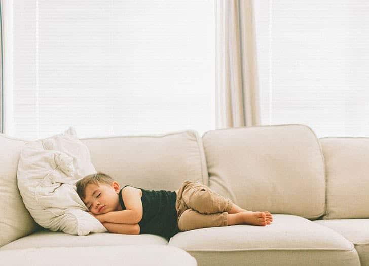 Nằm mơ thấy nằm ngủ trên ghế có ý nghĩa gì đặc biệt ?